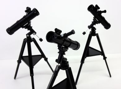 Astronomical Reflector Telescope on Tripod - M277
