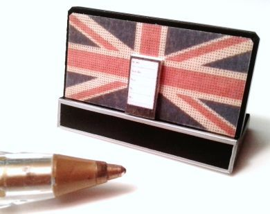 Union Jack Speaker Dock with Smart Phone - M231