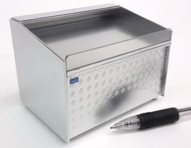 Chiller Display in 'Stainless Steel'