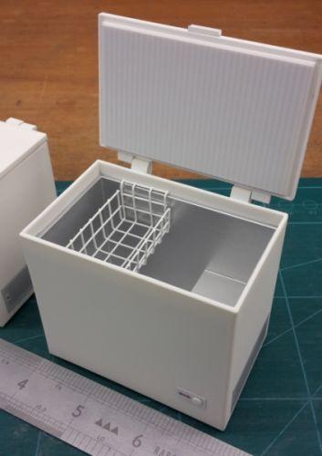 Chest Freezer - opening. - DA40
