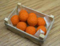 Oranges in a wood box - F10A