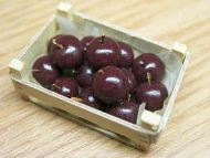 Red Delicious Apples in wood box - F12