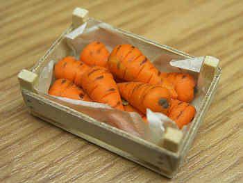 Carrots in wood box - F14