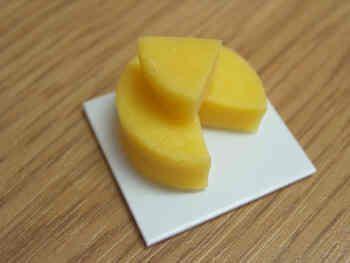 Cheddar Cheese on board - F173