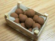 Potatoes in wood box - F174A