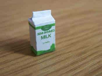 Milk Carton  Semi skimmed - F208B
