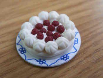 Raspberry Pavlova - F212