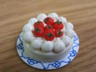 Strawberry Pavlova - F252