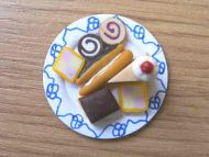 Cakes assortment on plate - F33