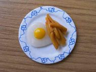 Egg & Chips on plate - F36