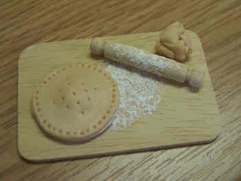 Baking Board with Pie - F37
