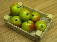 Bramley Apples in wood box - F99