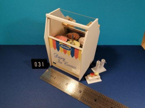Ice Cream Display - 4 Bowls - Code 031