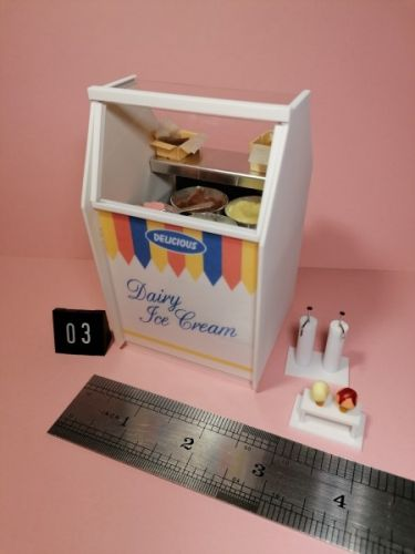 Ice Cream Display - 4 Bowls - Code 03