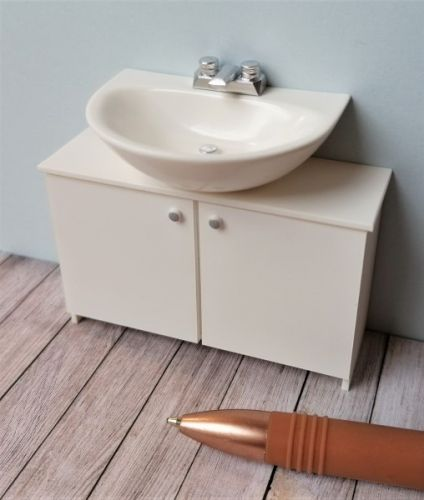 Basin on Vanity Unit with Flat Tap - M254
