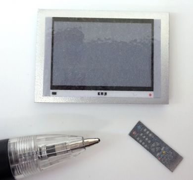M272S Small Silver Wall Mounted Plasma TV