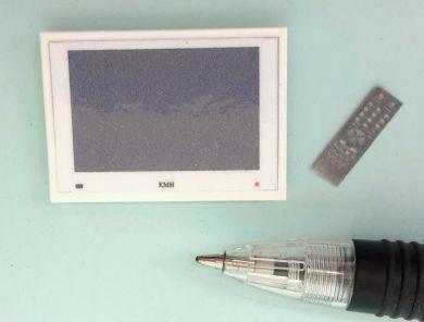 M272W Small WHITE Wall Mounted Plasma TV