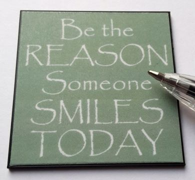 Be The Reason someone Smiles Wall Plaque - M290
