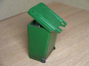 Wheelie Bin - M43 GLOSS GREEN