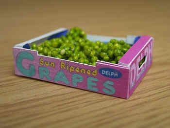 Grapes in printed carton