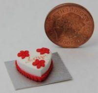 Love Heart Cake - CC20