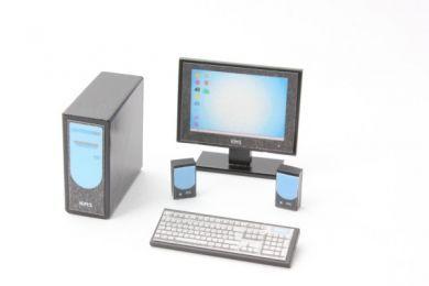Computer  with flatscreen monitor - O9B