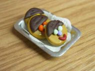 Funny Face biscuits in tray - S32