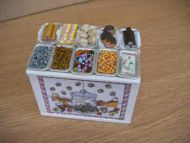 Confectionery Display Counter with filled trays - S50S