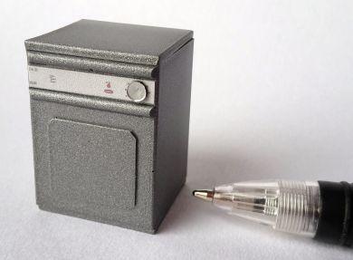 Twenty Fourth Scale Silver Tumble Dryer - TFDA23